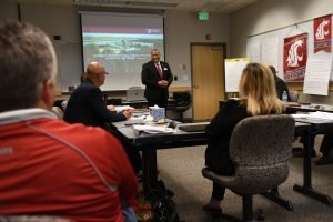 Instructor Semi Bird leads leadership class at WSU Tri-Cities
