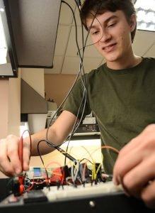 WSU Tri-Cities student Daniel Cain