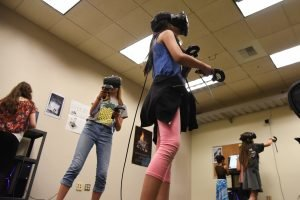 Students test out virtual reality