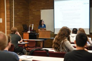 Professor Vanessa Cozza instructs her students as part of an English course at WSU Tri-Cities