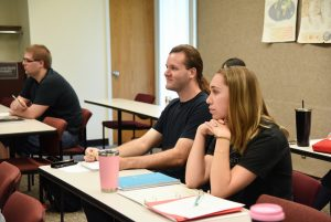 Students in a WSU Tri-Cities English course