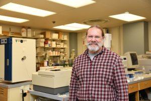 Professor Allan Felsot in a laboratory at WSU Tri-Cities