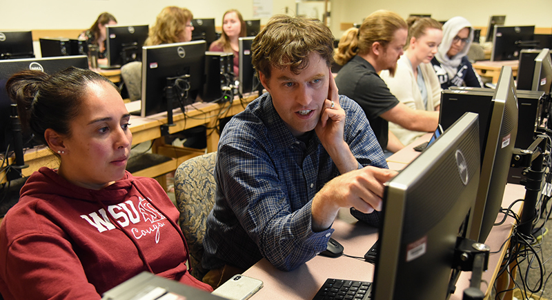 Students in the WSU Tri-Cities computer science education course