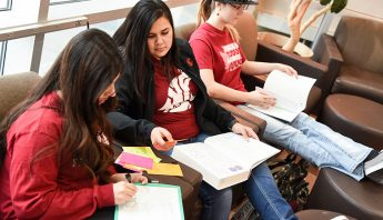 Students studying at WSU Tri-Cities